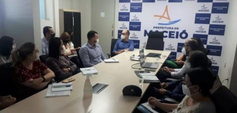 Reunião discute práticas de ensino na rede de Saúde de Maceió