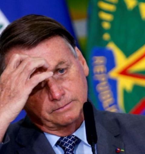 Para blindar Bolsonaro, assessores já admitem esquema dentro do Ministério da Saúde, diz mídia