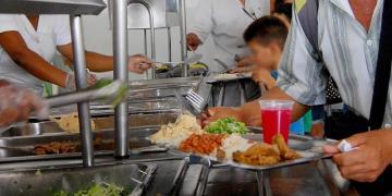 """Campanha """"Restaurante Gratuito Fome Nunca Mais"""" e """"Basta de Mordomia na CMM"""" é lançado por entidades"""