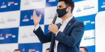 Prefeito de Maceió, JHC, anuncia isenção de taxas para mototaxistas que desejam se regularizar