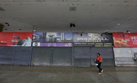 Isolamento e vacina são receitas para a recuperação econômica do Brasil, diz especialista