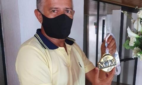 Reconhecimento: Marcos Souza recebe medalha de Honra ao Mérito do NCIA