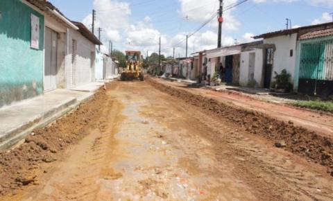 Obras de pavimentação beneficiam 600 moradores do Conjunto Frei Damião