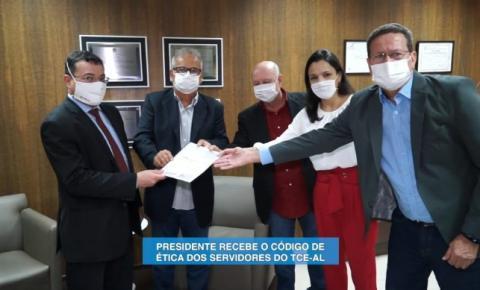 MINUTO DO PRESIDENTE COM OTÁVIO LESSA (CÓDIGO DE ÉTICA DOS SERVIDORES DO TCE-AL)