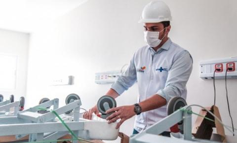 Secretário inspeciona obras e entrega mais equipamentos para o Hospital do Alto Sertão