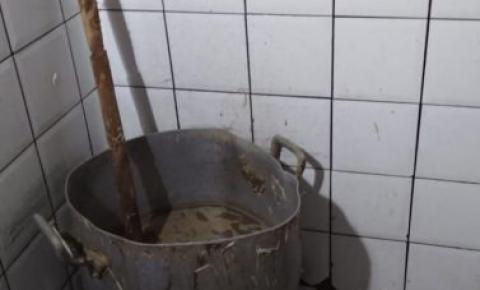 Vigilância Sanitária interdita avícola e apreende quase meia tonelada de alimentos no Jacintinho