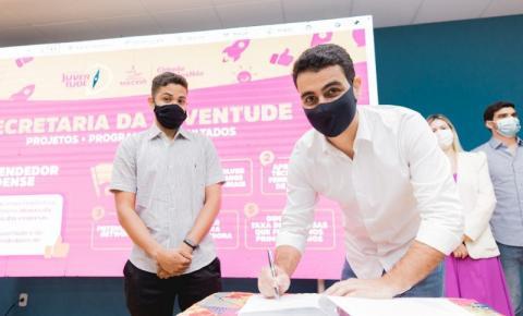 Prefeito JHC cria banco de currículos e garante acesso a estágio para jovens