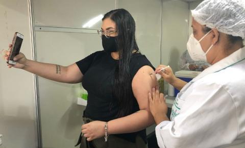Maceió antecipa 2ª dose das vacinas Astrazeneca e Pfizer em até dez dias