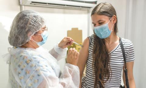 Prefeitura retoma 1ª dose da vacina contra Covid-19 para remanescentes