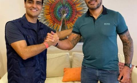 Prefeito de Maceió, JHC, se reúne com campeão Minotauro sobre projeto pioneiro de incentivo ao esporte