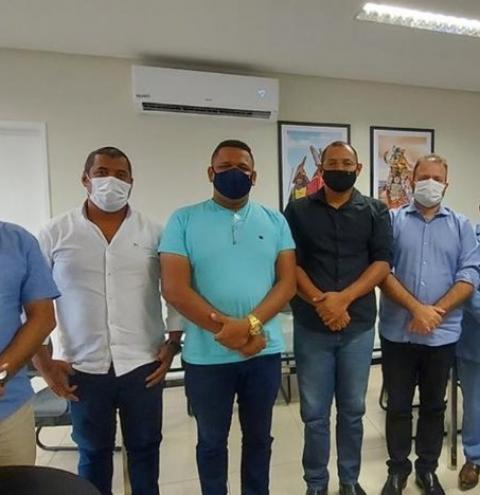 Agradecimento! Vereadores e prefeito comunitário da 5ª Região reúnem-se com deputado Léo Loureiro e vereador Aldo Loureiro